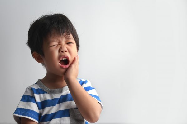 A kid in need of an emergency dentist in Narre Warren and Doncaster East